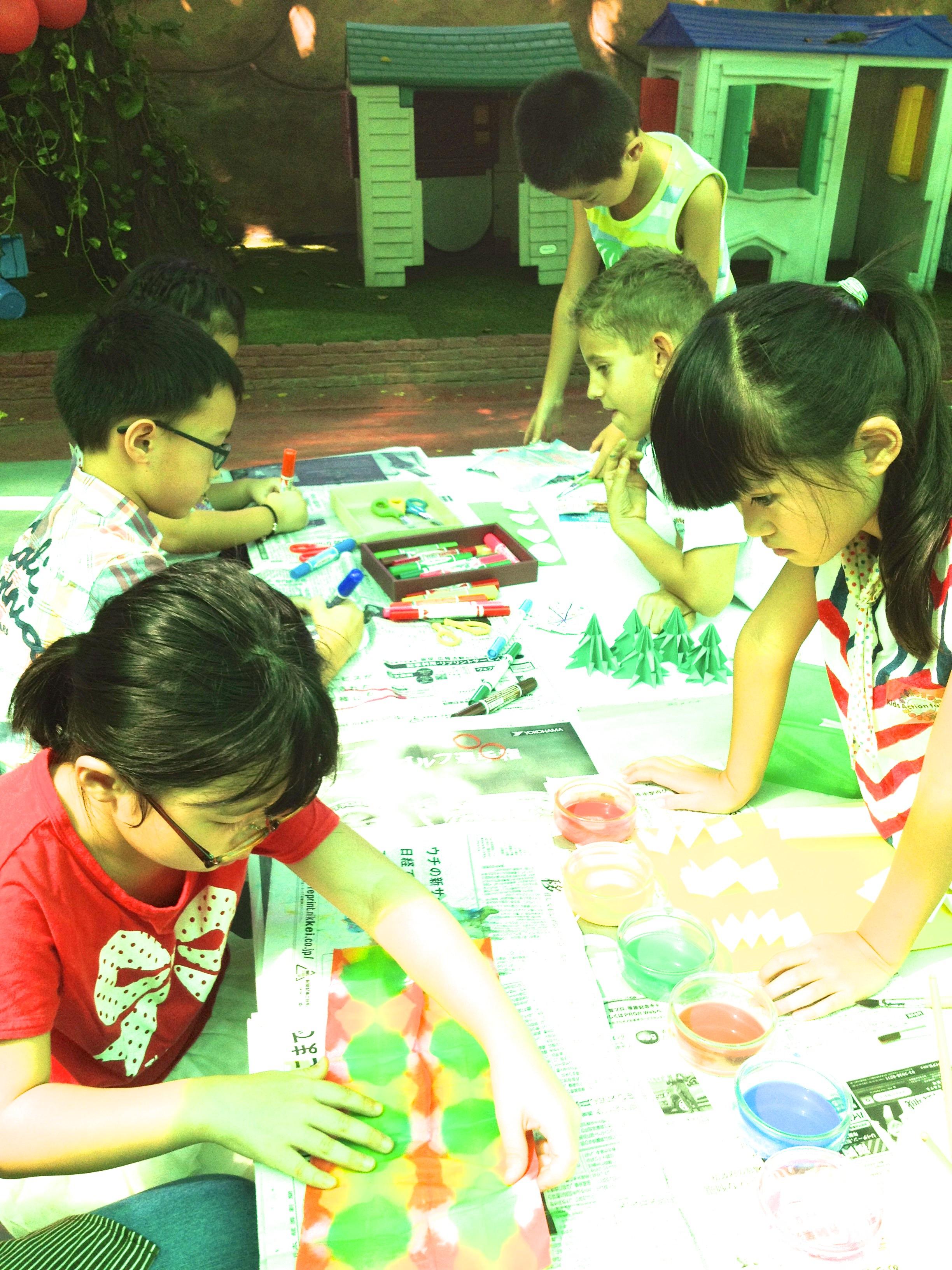 Suri Kayou And Mael Set Up A Japanese Craft Workshop At Their